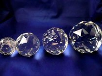 Kristallipallo, halkaisija 4 cm