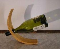 Puinen viinipulloteline